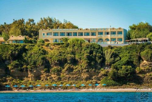 Peloponesas: NIFOREIKA BEACH HOTEL & BUNGALOWS  3*,  birželio 9 d. skrydžiui, 7 n. nuo 447,00 EUR